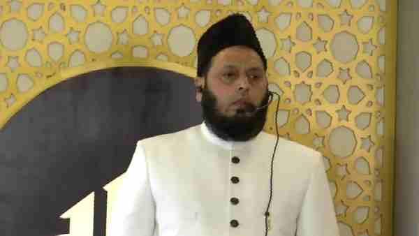 ये भी पढ़ें:- आयशा केस पर ओवैसी के वायरल वीडियो के बाद अब मौलाना फिरंगी महली ने मुसलमानों के लिए कही ये बात