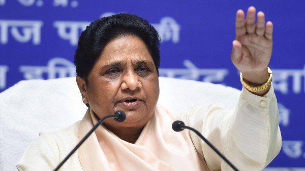mayawati slams up government over law and order situation