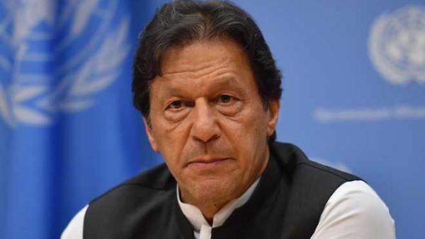 कट्टरपंथी मुल्ला के अवतार में इमरान खान ! ईशनिंदा कानून नहीं बनाने पर विदेशी सामानों के बहिष्कार की धमकी