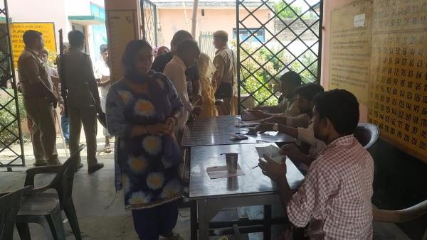 पंचायत चुनाव: यूपी में फैलते कोरोना के बीच गाइडलाइन जारी, राज्य निर्वाचन आयुक्त ने की सीएम योगी से मुलाकात