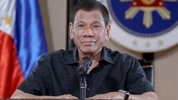 फिलीपींस के राष्ट्रपति की 'गंदी हरकत', कर रहे थे मेड के प्राइवेट पार्ट को छूने की कोशिश, VIDEO वायरल
