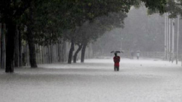 दिल्ली-NCR में मौसम साफ लेकिन इन राज्यों में होगी 'भीगी-भीगी' होली, Weather Updates