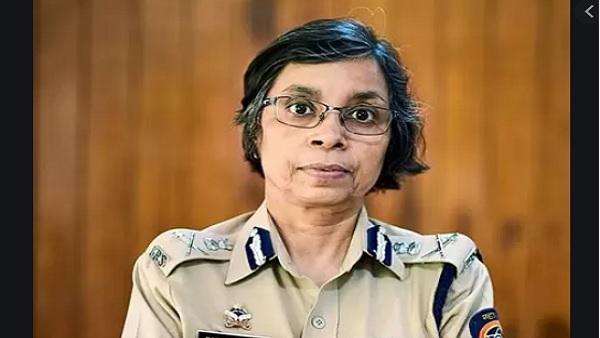 यह पढ़ें: Anil Deshmukh row: कौन हैं IPS रश्मि शुक्ला, क्या उन्हें पता है अनिल देशमुख के सारे राज?