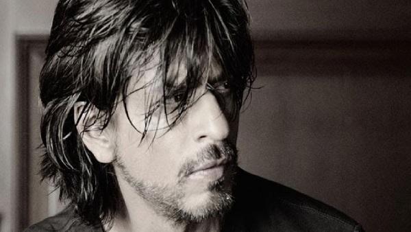 क्या शाहरुख खान ने सच में फिल्म 'पठान' के लिए चार्ज किए 100 करोड़? वायरल Tweet ने मचाई सनसनी