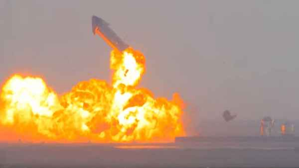 SpaceX के रॉकेट स्टारशिप SN10 की सफल लैंडिंग के बाद हुआ धमाका, एलन मस्क को लगा तगड़ा झटका