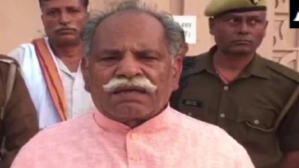 Farmers Protests: राकेश टिकैत पर भड़के भारतीय किसान यूनियन (भानु) के अध्यक्ष, कहा- 'वो बहुत पैसे वाले इंसान..'