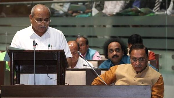 Gujarat budget 2021-22: सरकार का ऐलान- स्कूलों को हेरिटेज का दर्जा देंगे, किसानों को 10 हजार करोड़ मदद