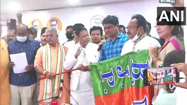 पश्चिम बंगाल: ममता के पांच मौजूदा विधायकों ने छोड़ी TMC,बीजेपी में हुए शामिल