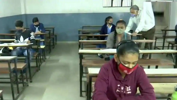 Students-teachers covid positive in schools of gujarat, active patients crosses 600 after 42 days