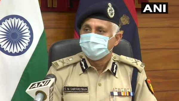दिल्ली पुलिस ने कहा- सख्ती से लागू होगा कर्फ्यू, मेट्रो के समय में भी बदलाव, मदर डेयरी की सेवा जारी रहेगी