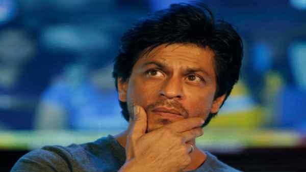 शाहरुख खान से महिला ने अपने बच्चे का नाम रखने की कर दी फरमाइश, जानें एक्टर ने क्या दिया जवाब