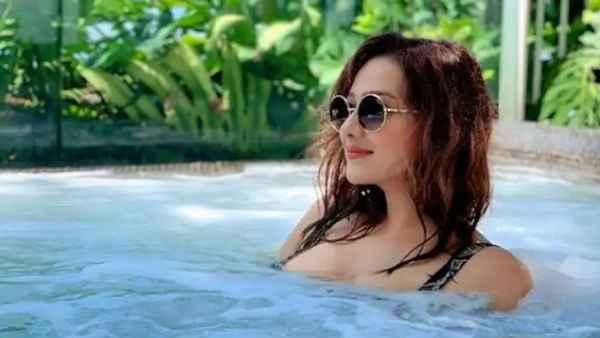 <strong>अभिनेता से भाजपा नेता बने एक्टर मिथुन चक्रवर्ती की बहू Madalsa Sharma का देखें बोल्ड अवतार, फोटो हुईं वायरल</strong>