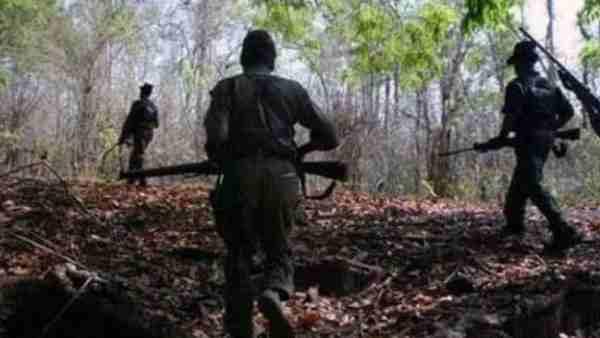 महाराष्ट्र: गढ़चिरौली में पुलिस और नक्सलियों के बीच हुई मुठभेड़, दो नक्सली मारे गए