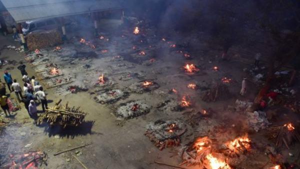 ये भी पढ़ें: श्मशान घाट के पास रह रहे लोगों का दावा- रोजाना 200 से ज्यादा शवों का अंतिम संस्कार, सब पर संक्रमण का खतरा
