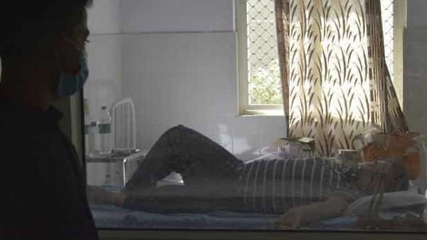 कोरोना के बढ़ते मामलों के बीच संकट में बेंगलुरू के लोग, होम आइसोलेशन में नहीं मिल रही किसी भी तरह की मदद
