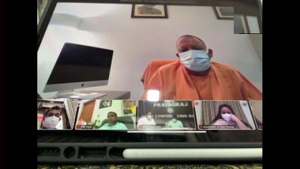 यूपी में कोरोना को लेकर CM योगी की टीम-11 के साथ मीटिंग, लखनऊ SGPGI में बेड रिजर्व