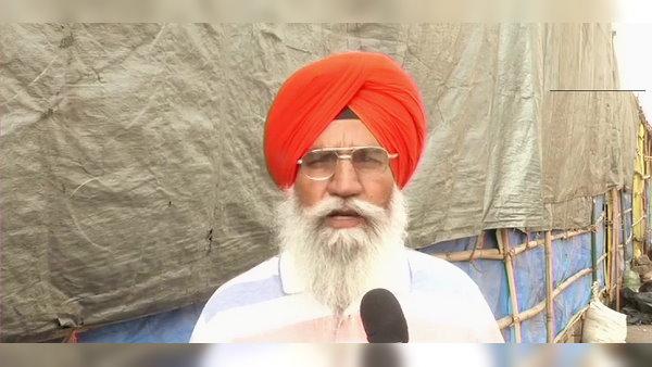 गाजीपुर बॉर्डर: किसान बोले- हमारी वजह से कोरोना नहीं फैल रहा, सरकार इसी पैंतरे से आंदोलन खत्म करने पर आमादा