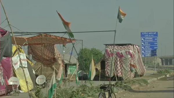 Haryana Farmers protesting in Palwal against Farm Laws, KMP-KGP blocked