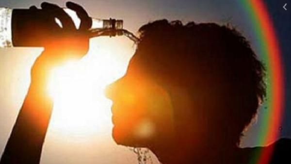 यह पढ़ें: Bihar Weather: अप्रैल में ही तप रहा बिहार, 14 जिलों में 'हीटवेव' का अलर्ट, पटना का पारा 39 पार