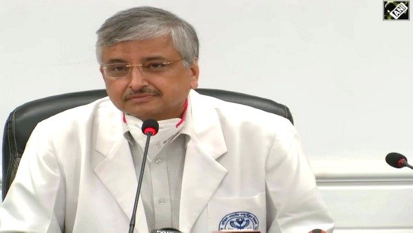 भारत में आ सकती है कोविड की तीसरी लहर, AIIMS निदेशक ने बताई वजह, कितनी होगी खतरनाक?