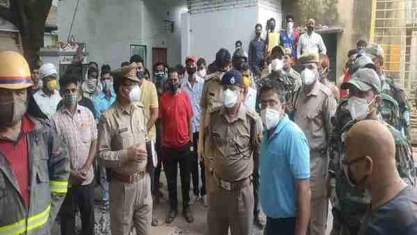 मिर्जापुर: जर्जर मकान गिरने से एक ही परिवार के पांच लोगों की मौत, सोते समय हुआ हादसा