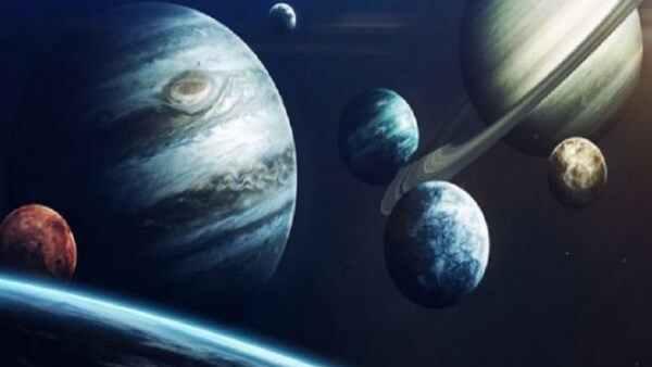 यह पढ़ें: इस माह राशि बदलेंगे कई बड़े ग्रह, जानिए क्या होगा असर