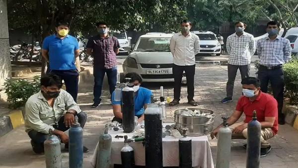 <strong>ये भी पढ़ें: दिल्ली में ऑक्सीजन संकट से मिलने वाली है मुक्ति!, सीएम केजरीवाल ने बताया मास्टर प्लान</strong>