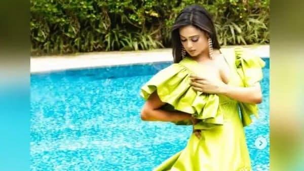 Shweta Tiwari के हॉट फोटोशूट ने मचाया तहलका, फैंस बोले सैनोरीटा.... | Shweta  Tiwari made hot photoshoot, fans said Sanorita .... - Hindi Oneindia