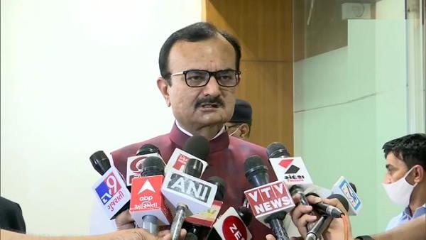 गुजरात विधानसभा में पेश किया गया