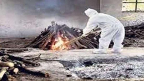 कोरोना से मौत के बाद अपनों ने मोड़ा मुंह, 400 Km दूर जाकर मुस्लिम दोस्त ने किया अंतिम संस्कार