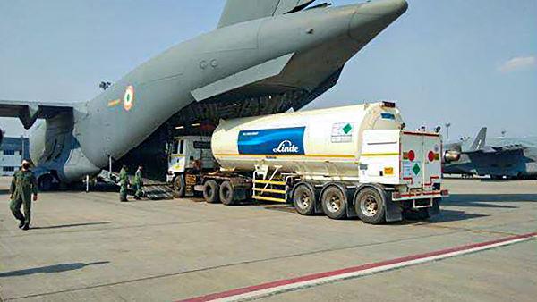 कोरोना संकट: जर्मनी से आएंगे 23 मोबाइल ऑक्सीजन जनरेशन प्लांट, वायुसेना करेगी एयरलिफ्ट
