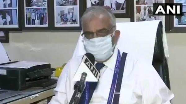 VIDEO: अस्पताल की हालत बताते हुए रोने लगे CEO, कहा- 2 घंटे में नहीं आई ऑक्सीजन तो कई मरीजों की होगी मौत