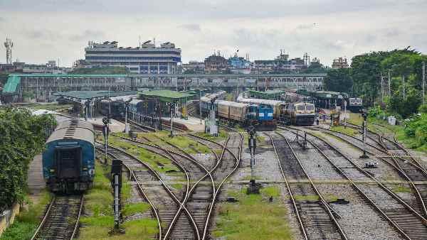 इसे भी पढ़ें- यूपी-बिहार के लिए चलेंगी अतिरिक्त स्पेशल ट्रेन, पूरी लिस्ट यहां देखिए