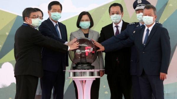 ये भी पढ़ें- चीन कभी भी कर सकता है ताइवान पर हमला, ताइवान ने कहा- आखिरी दिन तक करेंगे लड़ाई, खुद करेंगे अपनी रक्षा