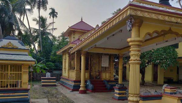 मंदिर में आपत्तिजनक सामान फेंकने वाले शख्स की मौत, 'भगवान के प्रकोप' से बचने के लिए साथियों ने किया सरेंडर