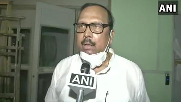 बंगाल: TMC की चुनाव आयोग से मांग, एक साथ कराए जाएं बाकी 3 चरणों के मतदान
