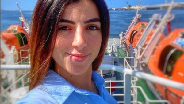 मिस्र की इस खूबसूरत महिला कैप्टन पर लगा स्वेज नहर में जहाज फंसाने का आरोप, बताई पूरी सच्चाई