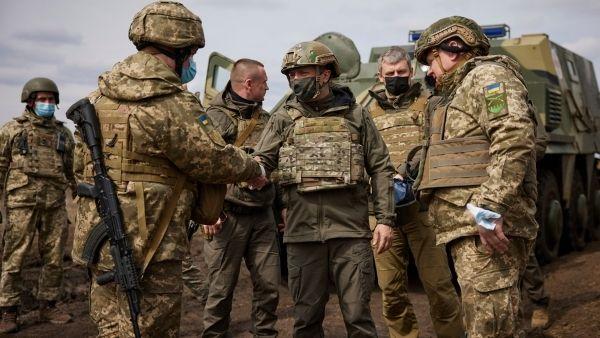 यूक्रेन को लेकर दो हिस्सों में बंटी दुनिया, बाइडेन ने किया पुतिन को फोन, क्या विश्व युद्ध का शंख बजाएगा रूस?