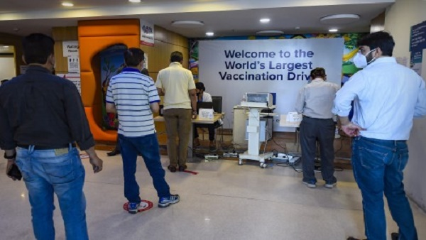 ये भी पढ़ें- CoWin पैनल के प्रमुख का बयान, 1 मई से प्रतिदिन 60 से 70 लाख लोगों को टीका लगने की है उम्मीद