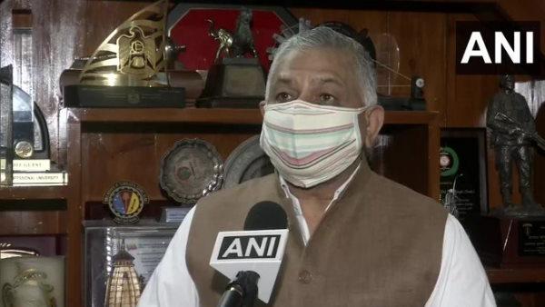 केंद्रीय मंत्री जनरल वीके सिंह ने खुद को किया आइसोलेट, मंत्रालय में कई लोग कोरोना संक्रमित