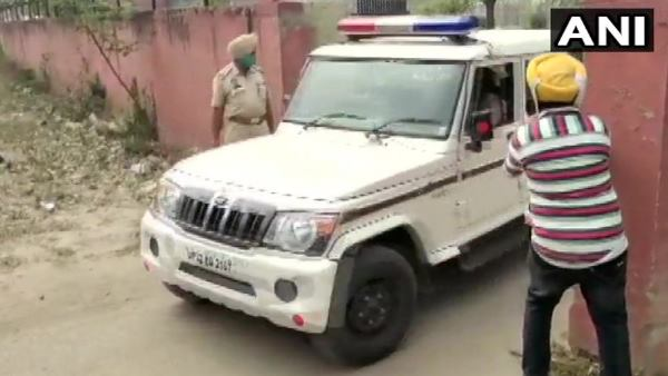 UP Police leaves from Rupnagar jail with Mukhtar Ansari for Banda