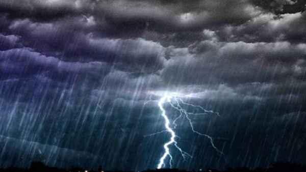 यह पढ़ें:Cyclone Tauktae: गुजरात के 8 जिलों में भारी बारिश की आशंका, IMD ने जारी किया Alert