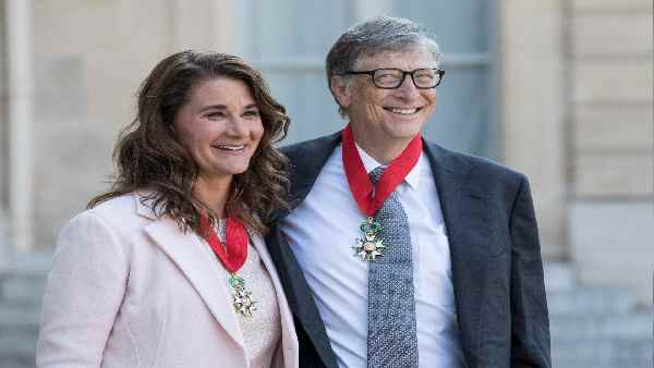 यह पढ़ें:Bill-Melinda Divorce: माइक्रोसॉफ्ट की महिला कर्मचारी से थे बिल गेट्स के जिस्मानी रिश्ते, कंपनी ने की थी जांच