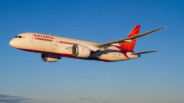 दिल्ली एयरपोर्ट से उड़ान भरते ही एयर इंडिया की फ्लाइट में दिखा चमगादड़, हुई इमरजेंसी लैंडिंग
