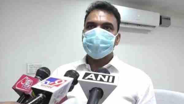 अलीगढ़ में जहरीली शराब पीने से अब तक हुई 22 लोगों की मौत, पांच लोगों को पुलिस ने किया अरेस्ट