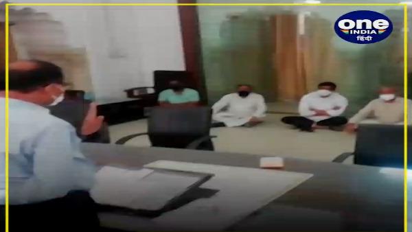 ALWAR : जिला कलेक्टर कार्यालय में MLA ने छह घंटे दिया धरना, भरतपुर जाने वाली ऑक्सीजन पर लगी रोक