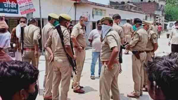 आजमगढ़: संदिग्ध हालत में हुई सात लोगों की मौत, पुलिस ने शराब की जगह खांसी व बुखार से बताया पीड़ित