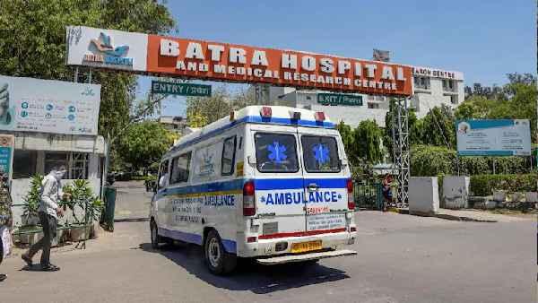 दिल्ली के बत्रा अस्पताल में नहीं हुई आक्सीजन सप्लाई, एक डाक्टर समेत 8 कोरोना रोगियों ने तोड़ा दम