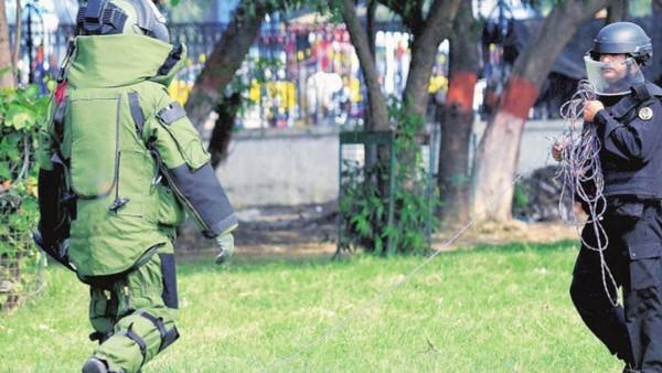 ये भी पढ़ें: सुरक्षाबलों के कैंप के पास मिला संदिग्ध बैग, जम्मू-पुंछ नेशनल हाईवे पर रोका गया ट्रैफिक