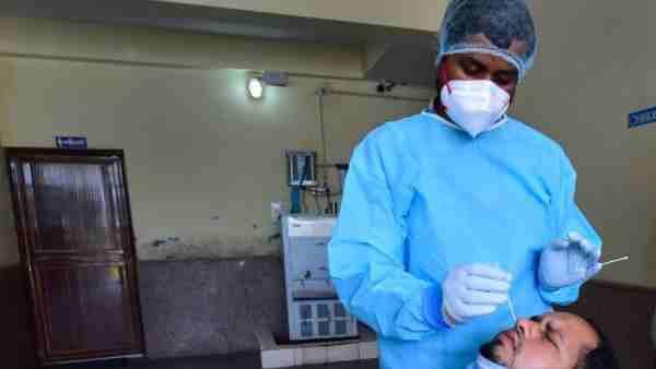 तो क्या यूपी में निकल चुका है कोरोना वायरस का पीक, एक्सपर्ट ने किया दावा